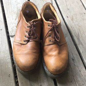 Men's Dr. Martens air wait brown leather shoes 13